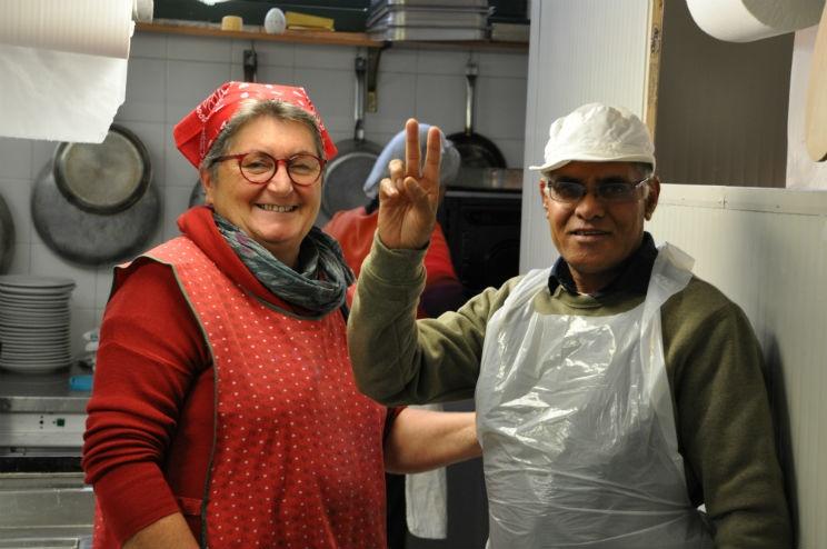 Cucine Popolari - A.N. con una cuoca